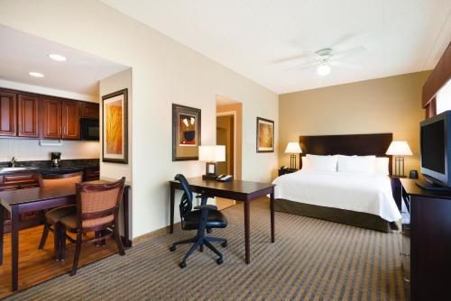 Homewood Suites By Hilton Minneapolis/St Paul New Brighton