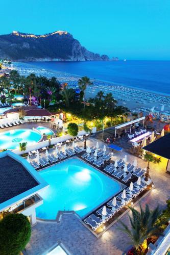 Alanya Xperia Saray Beach Hotel tek gece fiyat