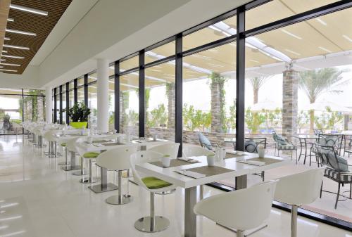 Park Inn by Radisson Abu Dhabi Yas Island photo 23