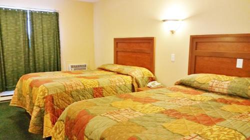 Alpine Motel - image 12