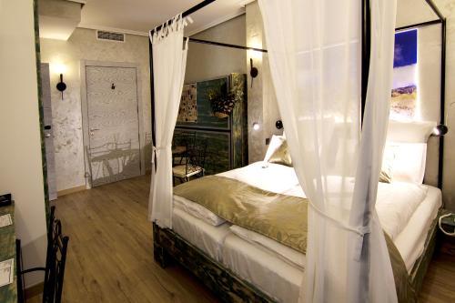 Triple Room with Balcony-Sierra de Maigmó Boutique Hotel Sierra de Alicante 10