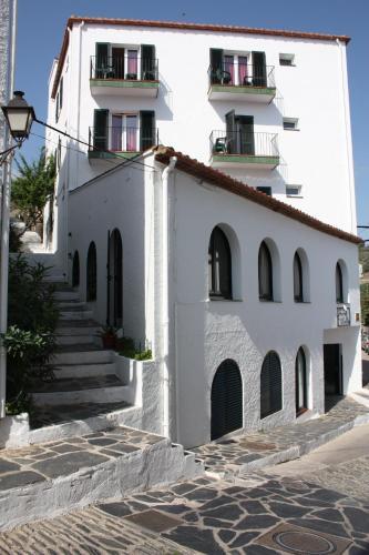 Calle Unió, 13, 17488 Cadaqués, Girona, Spain.