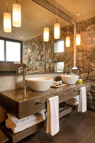 Фото отеля The Vines Resort & Spa
