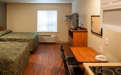 Woodspring Suites Oklahoma City Northwest - Oklahoma City, OK 73112