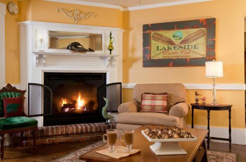 Squam Lake Inn - Holderness, NH 03245