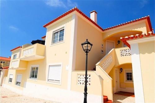 . Praia del Rey Apartment