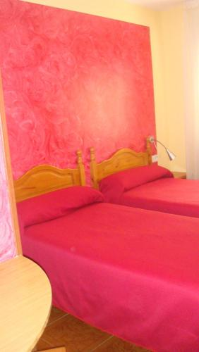 Quarto Twin com Casa de Banho Privativa (Twin Room with Private Bathroom)