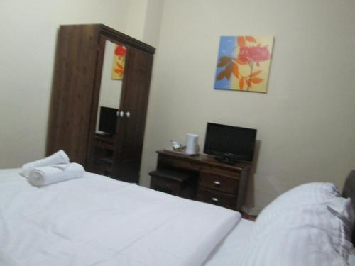 Economy Double Room with Ensuite