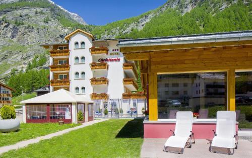 Wellness- und Schneesporthotel Christiania - Hotel - Saas Almagell