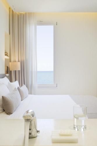 Double Room with Sea View Hostal Spa Empúries 5