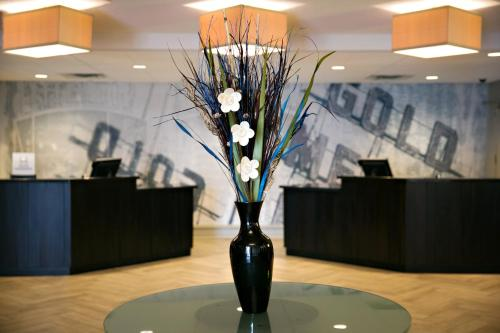 DoubleTree Hotel Minneapolis Park Place - Minneapolis, MN 55416