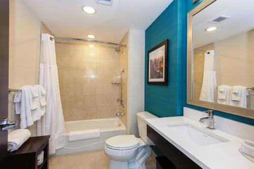 Courtyard by Marriott Times Square West Номер с 2 кроватями размера «queen-size»