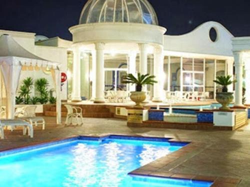 Фото отеля Broadbeach Holiday Apartments