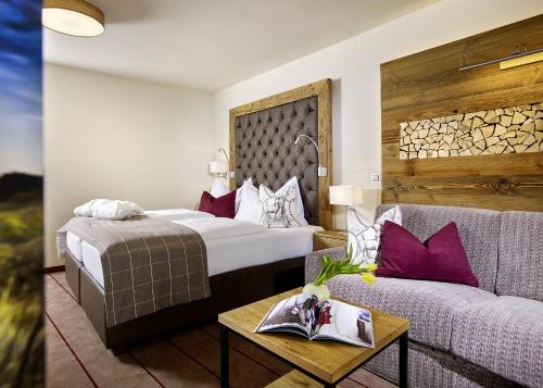 Double Room Deluxe Tyrol