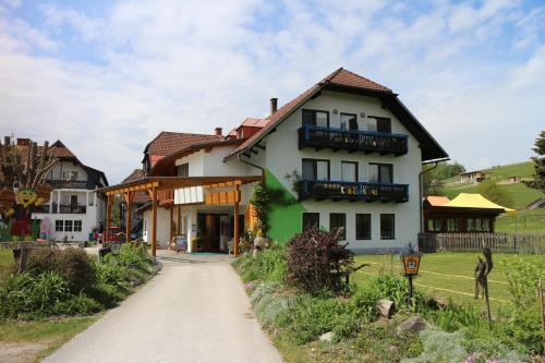 Familienparadies Reichenhauser, Pension in Keutschach am See