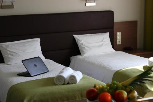 . Hotel Pod Dębem