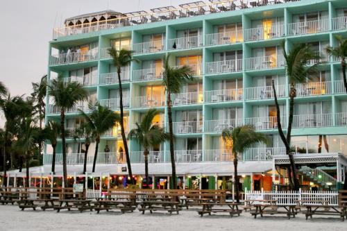 Lani Kai Beachfront Resort