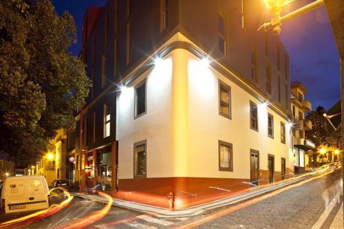 Rua da Alegria, 2:02 A, 9000-040 Funchal, Madeira, Portugal.