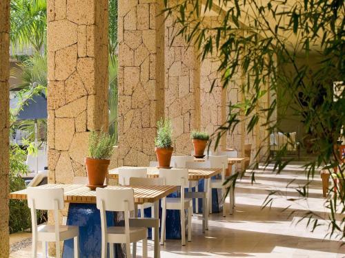 Avenida Bruselas s/n, Costa Adeje 38660, Tenerife, Spain.