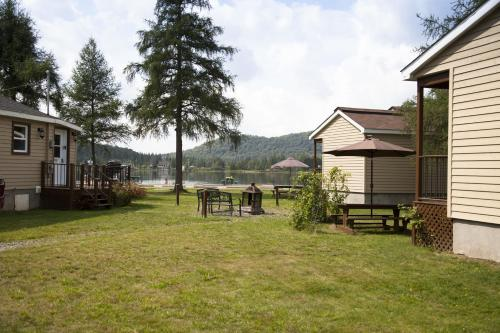 Emme Chalets (Bed and Breakfast)