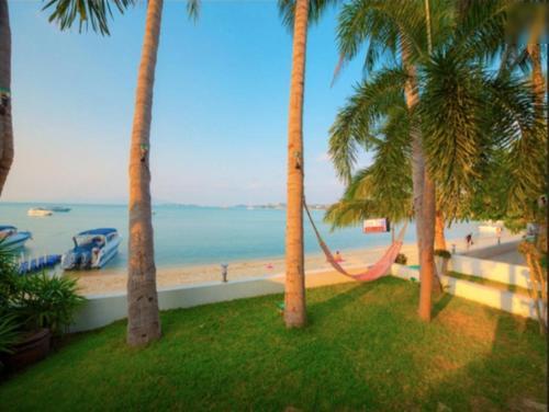 2 Bedroom Beach Front Villa - on Beautiful Bangrak Beach 2 Bedroom Beach Front Villa - on Beautiful Bangrak Beach