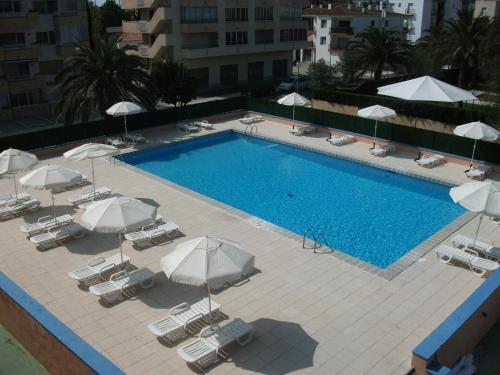 . Nautilus Hotel