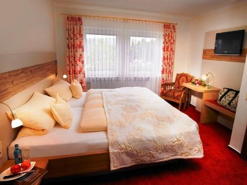 Cameră dublă deluxe cu duş (Deluxe Double Room with Shower)