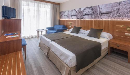 Double or Twin Room with Pool View (2 Adults + 1 Child)