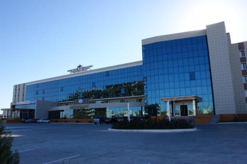 . Grand Nur Plaza Hotel