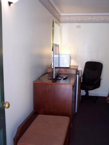 Shore Hills Motel - Manasquan, NJ 08736