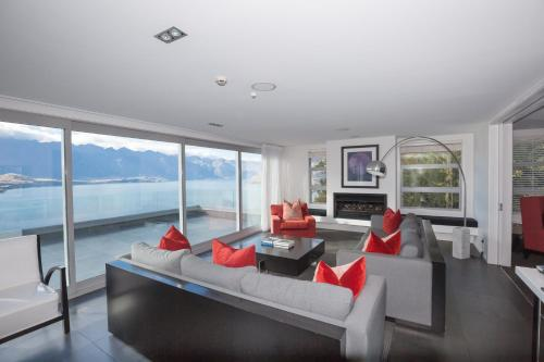 Lordens Penthouse By Touch Of Spice