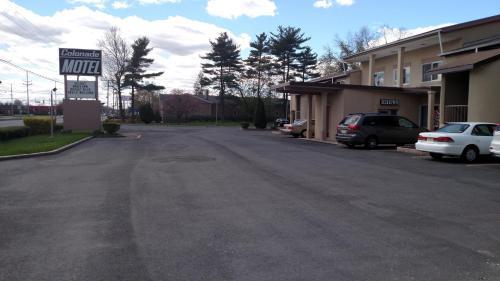 Colonade Motel, Mercer