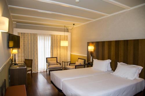 Habitación Doble Estándar - 2 camas  Hotel Nuevo Portil Golf 19