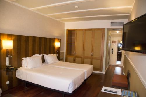 Habitación Doble Estándar - 2 camas  Hotel Nuevo Portil Golf 27