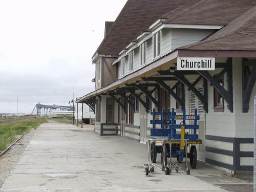 Bear Country Inn - Churchill, MB R0B 0E0
