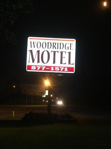 Woodridge Motel - Terre Haute, IN 47803