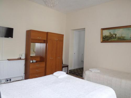 Cameră de familie cu baie (Family Room with Bathroom)