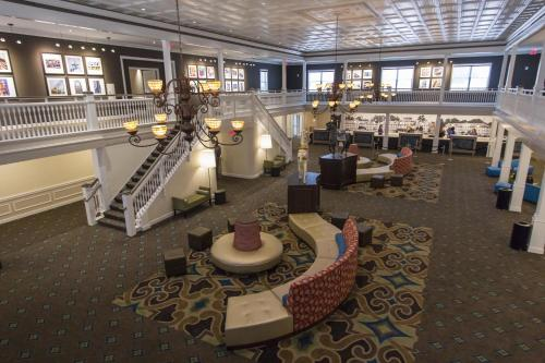 Cedar Point Hotel Breakers - Sandusky, OH 44870