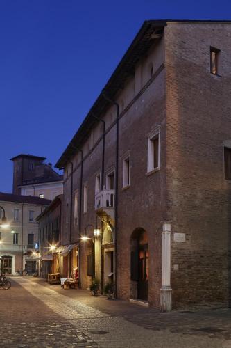 Via IV Novembre 41, 48121 Ravenna, Italy.