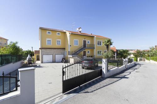 Apartments Euphemia