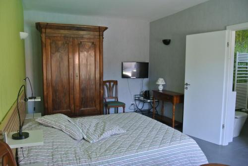Double Room with Private Bathroom - Berlin
