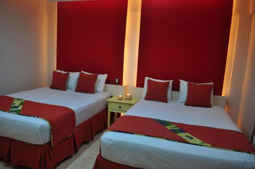 Queen Room with Two Queen Beds - Free WiFi