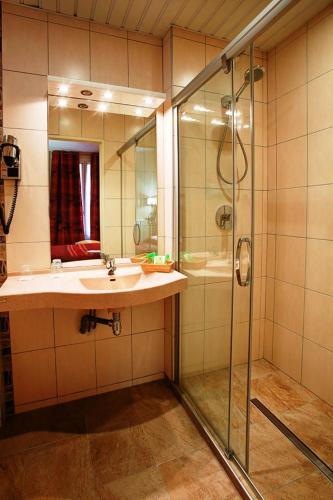 Hotel Terminus Montparnasse photo 36