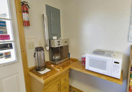 Americas Best Value Inn Biddeford Portland - Biddeford, ME 04005