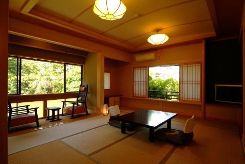 汤屋日式旅馆