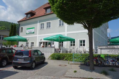 . Hotel-Restaurant Goldenes Schiff
