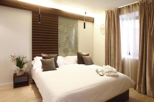 Double or Twin Room Hotel Museu Llegendes de Girona 25