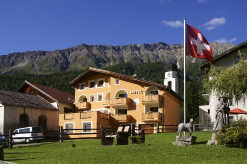 Hotel Landgasthof Staila - Accommodation - Fuldera