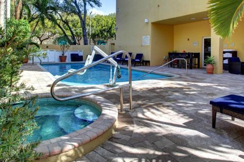 Hampton Inn Miami-Coconut Grove/Coral Gables - Miami, FL 33133