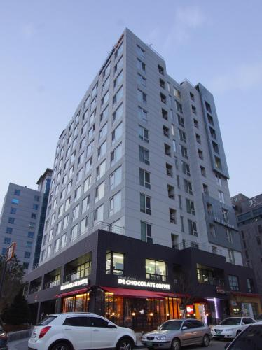 Cplus Residence Hotel